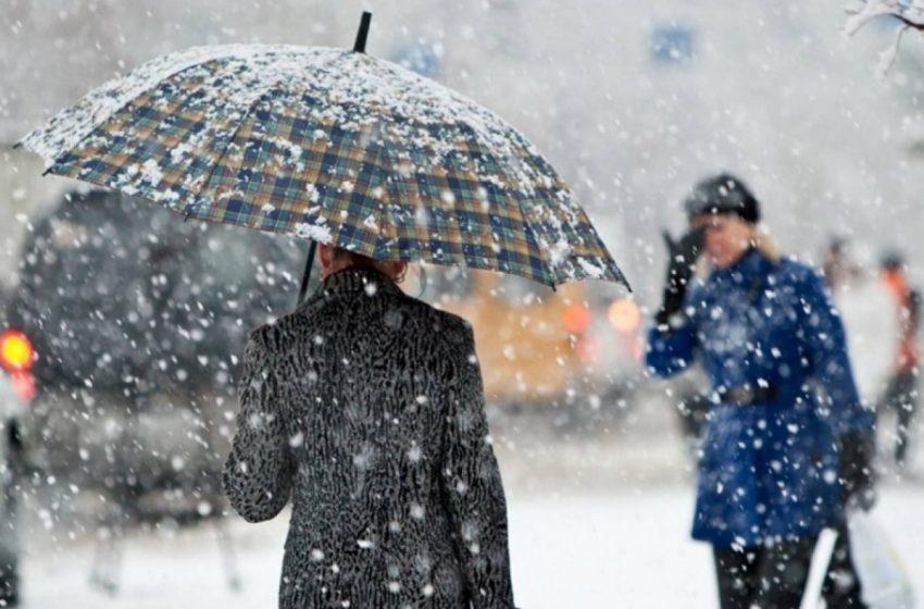 Справжнє стихійне лихо: сніговий покрив до 30 см, хуртовини та ожеледиця