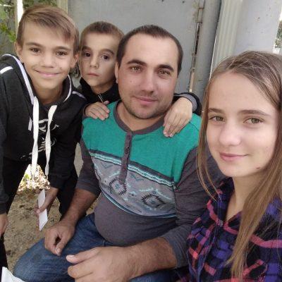 """""""Відійшов у вічність мій останній син"""": у трагічній ДТП розбилася молода вчителька з трьома дітьми"""