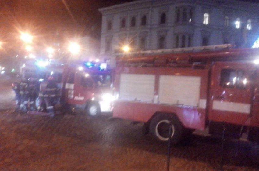 В центрі Львова горить кафе біля відомого готелю (ФОТО)