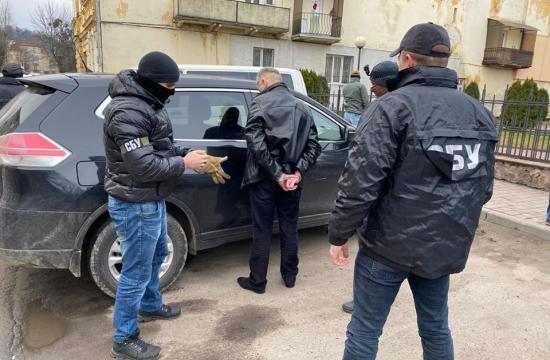 Прокуратура затримала головного лісівника Львівщини під час отримання хабара (ФОТО)
