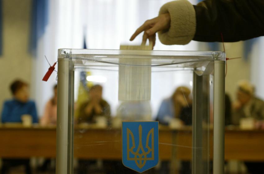 Президентські вибори: рейтинг Кошулинського, Бойка і Зеленського зростає