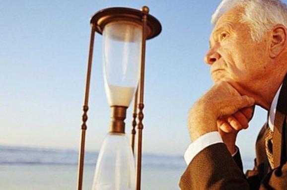 В Україні знову підвищують пенсійний вік, чого очікувати далі