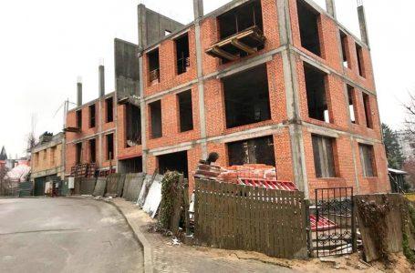 У Львові застерігають мешканців від купівлі житла у незаконних забудовах