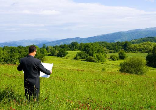 Кому потрібно зробити нові документи, щоб не втратити земельну ділянку