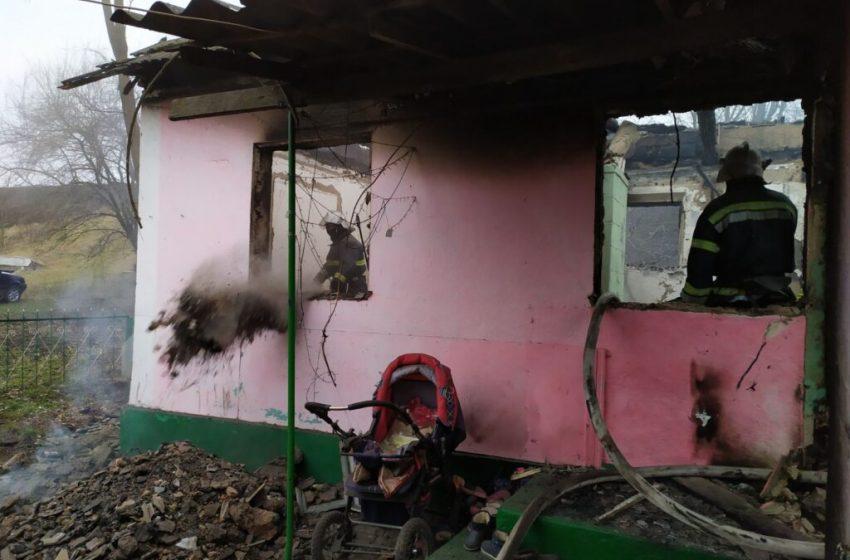 Пекло на землі: у страшній пожежі на Буковині загинула молода мама та її троє маленьких дітей (ФОТО)
