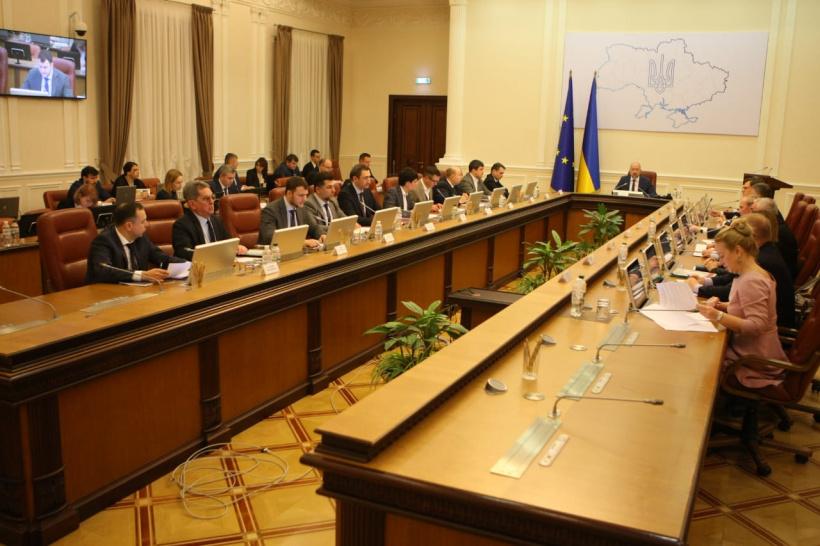 Увага! В Україні офіційно оголошено карантин, Кабмін просить скасувати всі масові заходи