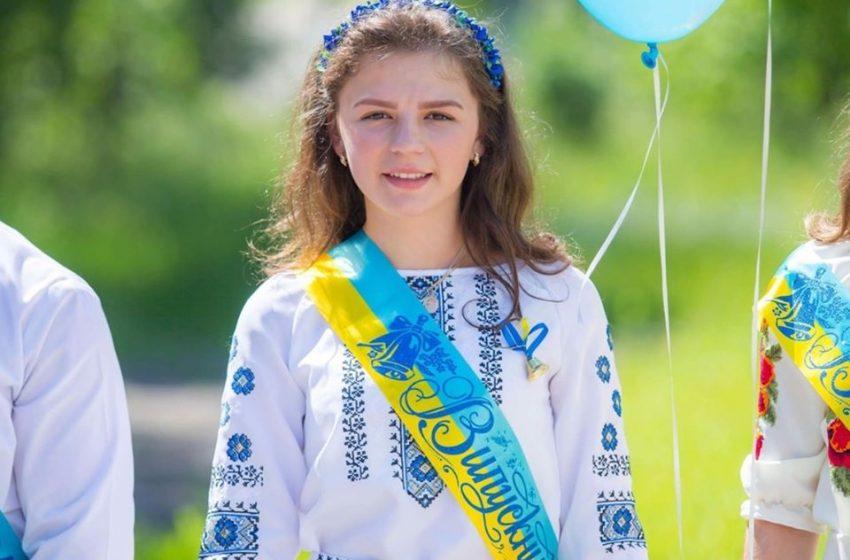 """""""Без вашої допомоги я не зможу ходити"""": дівчинка з Дрогобиччини просить допомоги на операцію"""