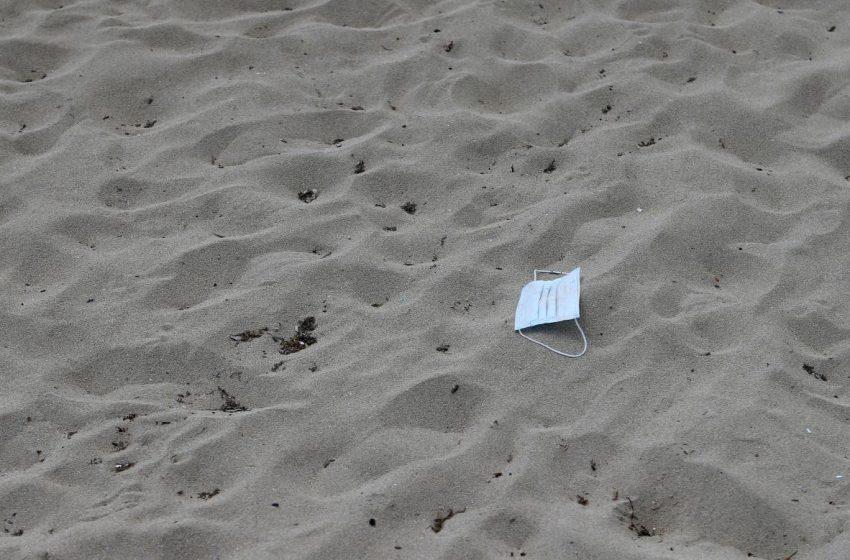 Подавився піском і задихнувся: діти жартома закопали брата на пляжі, хлопчик помер страшною смертю