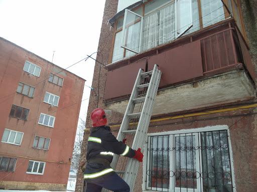 У Бориславі рятувальники врятували жінку, яка потребувала термінової медичної допомоги