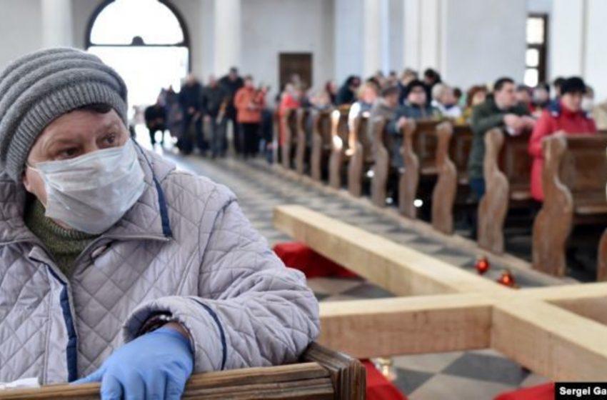 Міністр назвав церкви головною причиною спалаху Covid-19 на заході України