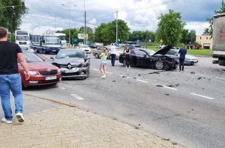 ДТП на виїзді зі Львова: зіткнулися кілька автомобілів