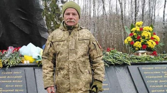 На Донбасі від кулі загинув військовий(ФОТО)