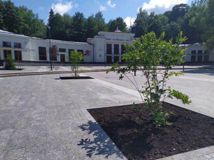 У Трускавці завершується реконструкція площі біля бювету: як вона виглядає тепер?(ФОТО/ВІДЕО)