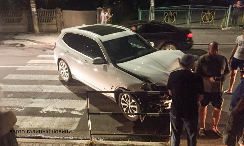 У центрі Дрогобича трапилася чергова автотроща за участю позашляховика(ФОТО/ВІДЕО)