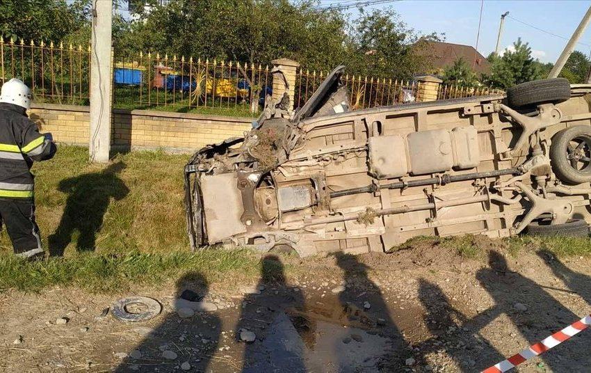 На Прикарпатті у жахливій ДТП загинули троє людей(ФОТО)