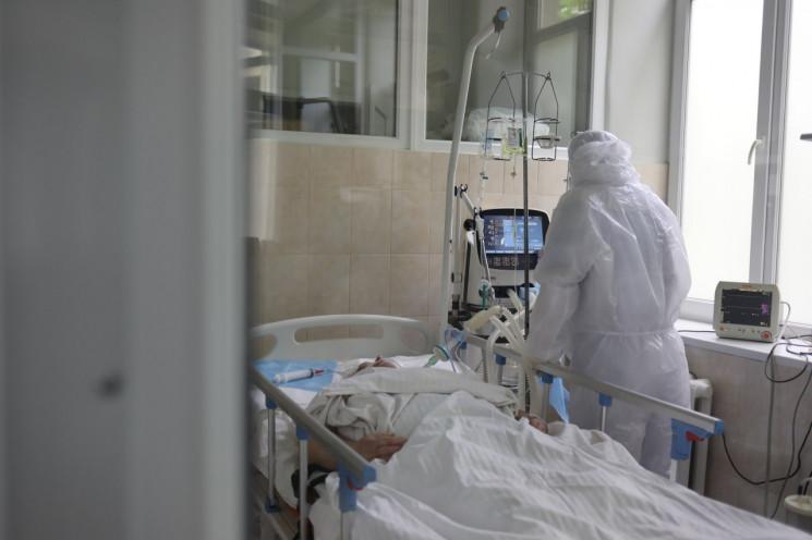На Львівщині коронавірус пішов на спад: що відомо станом на 17 серпня