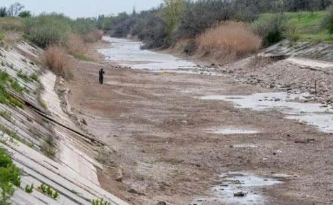 Шмигаль готовий подати воду до Криму: за яких умов?