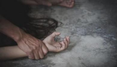 """""""Пригостив її у місцевому кафе смаколиками і відвіз додому"""": педофіл зґвалтував 9-річну дівчинку"""
