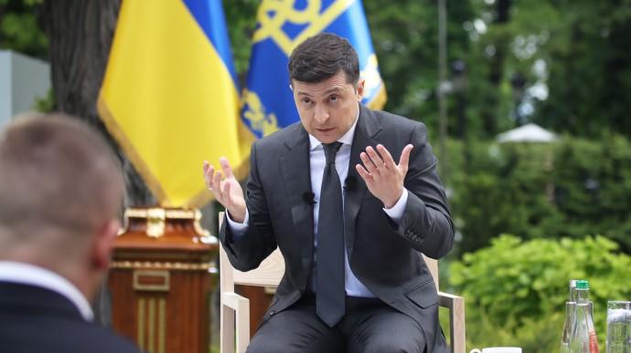 Зеленський відповів на питання ЗМІ, чому так багато їздить Україною