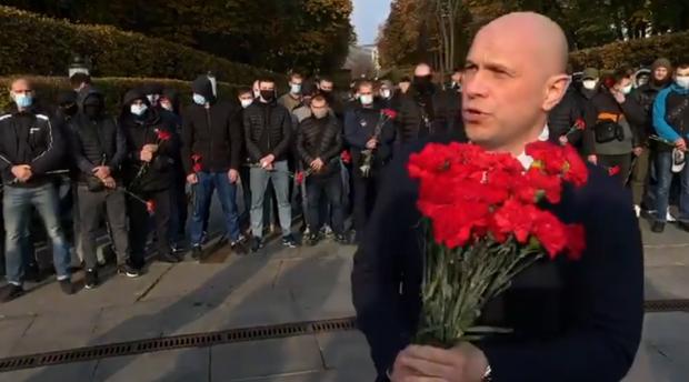 """Кива в центрі Києва дякував рядянській армії і переконував, що в західній Україні """"вкоренилася фашистська, нацистська ідеологія"""""""
