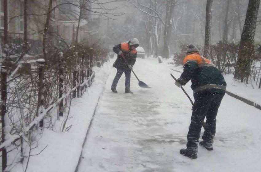 На Львівщині очікується різка зміна погоди: комунальники вже готові