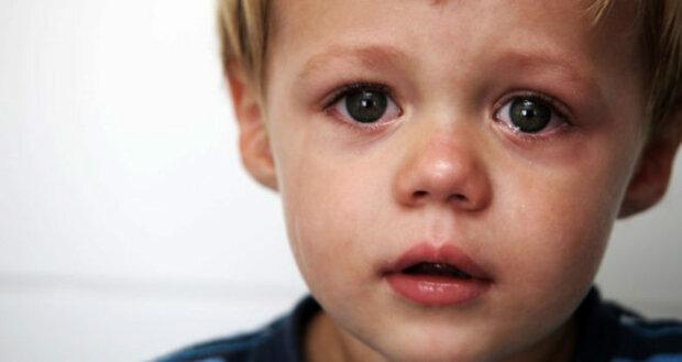 На Дрогобиччині 2-річний хлопчик на самоті став заручником власної квартири