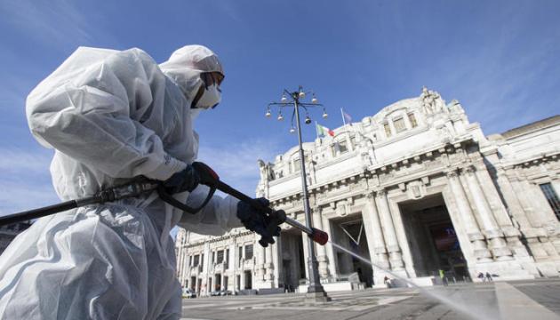 """""""Можуть померти 10 тисяч осіб за місяць"""": в Італії лікарі закликали ввести локдаун"""