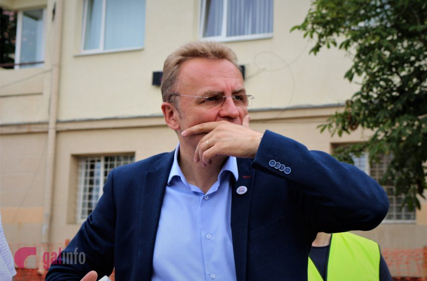 Післявиборчий скандал: у Львові перша сесія міської ради збирається без мера, з'явилася реакція Садового(ВІДЕО)