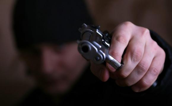Шок! На зауваження вдягнути маску, чоловік дістав пістолет та вистрілив