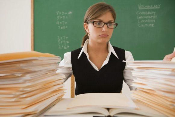 Уряд ще на рік відклав підвищення зарплат для вчителів