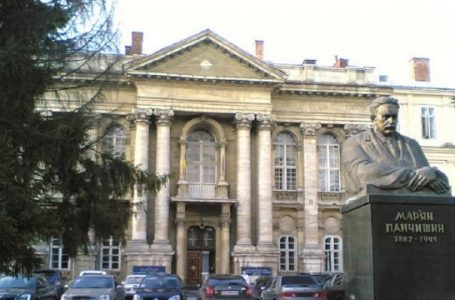 Львівська облрада у період карантину продала ще 2 приміщення на території обласної лікарні (ФОТО)