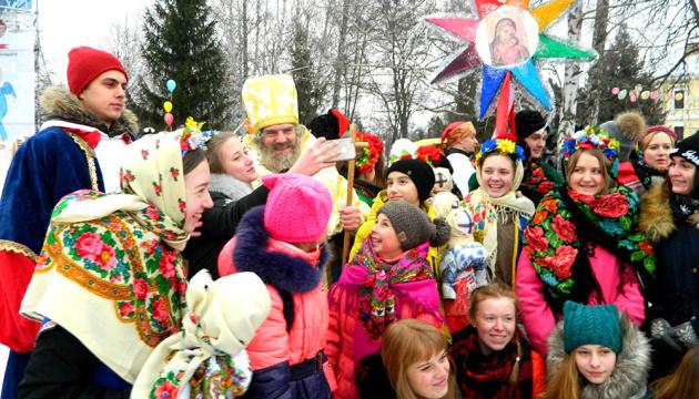 """""""Свято наближається"""": у одному з львівських парків запрацює резиденція Святого Миколая"""