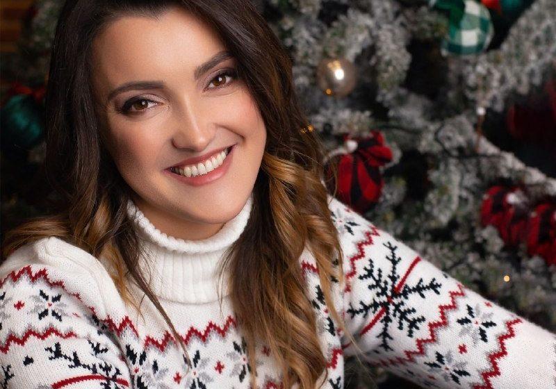 Новорічний гімн для всієї сім'ї: співачка SVOYA презентує святковий трек «Новорічна»