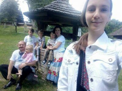 """""""За жінку молилася вся Україна"""": дружині священика, яка була важко хвора коронавірусом, стало легше"""