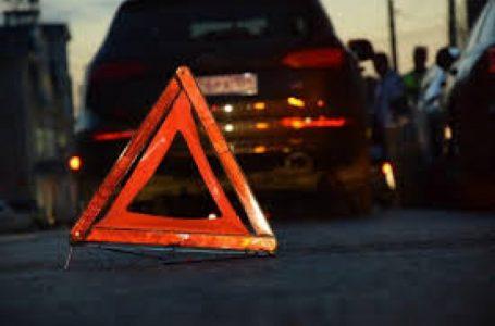Надзвичайні новини: автівка влетіла в електроопору (відео)