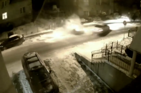 У Львові Toyota знесла на своєму шляху два припаркованих автомобілі (відео)