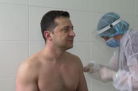 Опубліковано відео вакцинації Зеленського